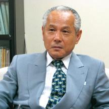 川田隆男氏